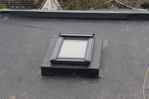 A completed roof window.