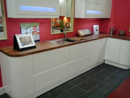 A wood or bamboo worktop works well