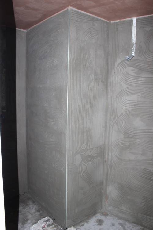 Concrete rendering around the en-suite (power cable for the mirror lighting)