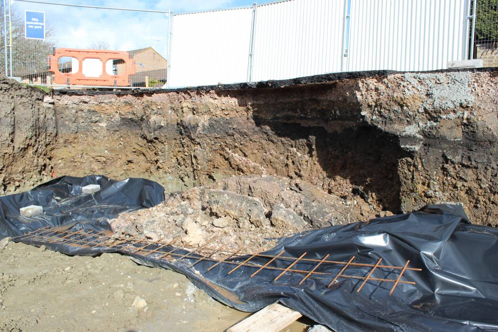 Steel Retaining Structures : The retaining wall continues self build