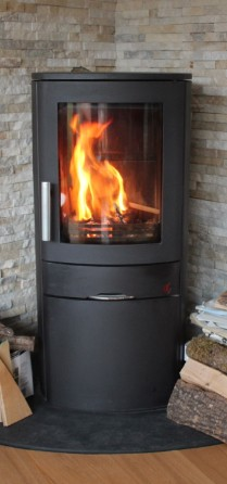 Log burner with kiln dried logs